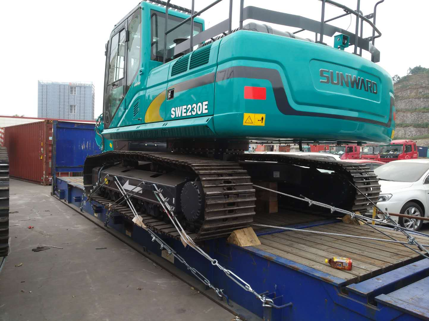 Excavators loaded  on Flat  Rack  by BETA LOGISTICS LIMITED